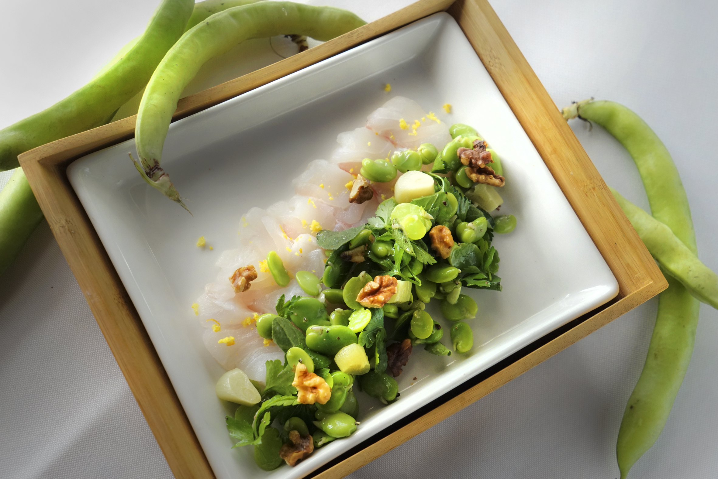 mant raysalad of grouper and broad beans